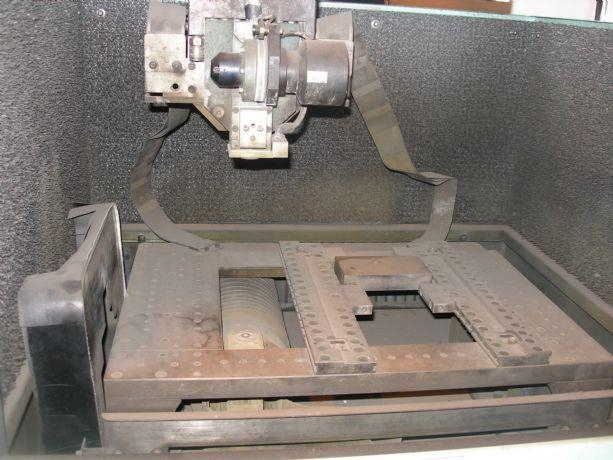 Drahterodiermaschine AGIE AGIECUT CLASSIC 2 | M&V Export Logistik